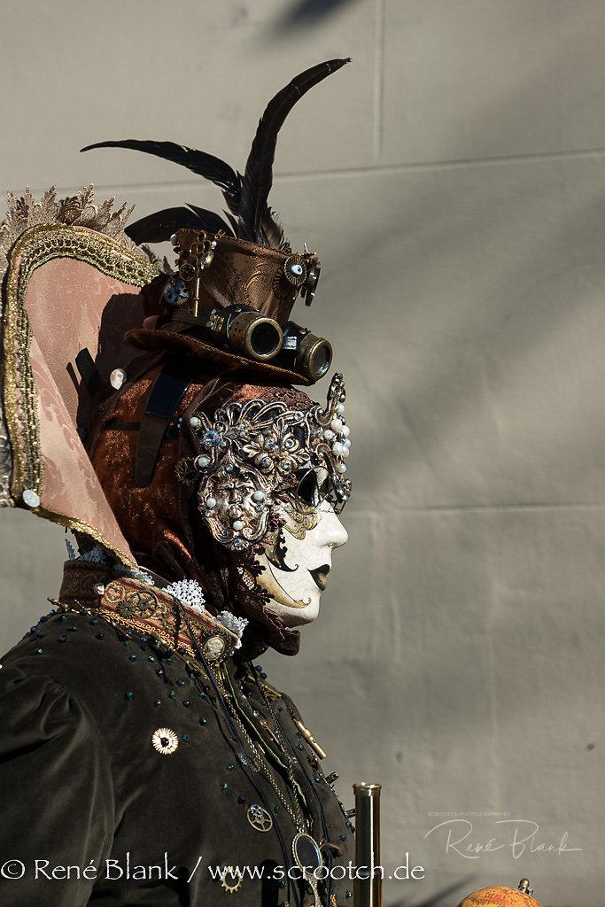 Maskenträger, Hallia Venezia 2014